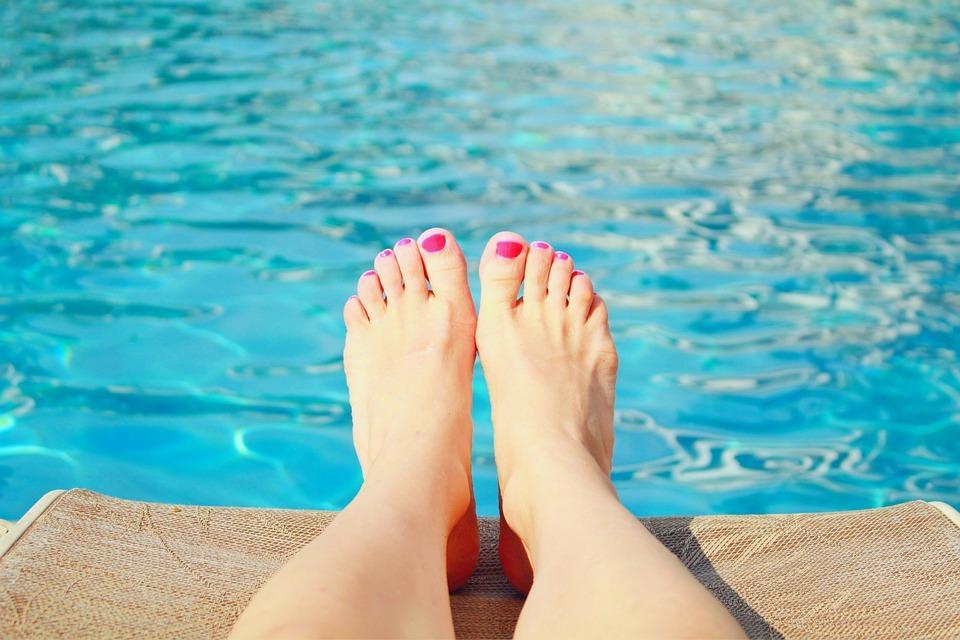 Un tuffo dove l'acqua è più blu: guida alle piscine estive di Torino e dintorni