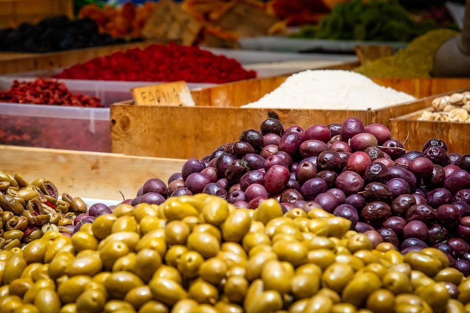TORINO, Tutti i mercati: dove e quando fare al spesa di qualità
