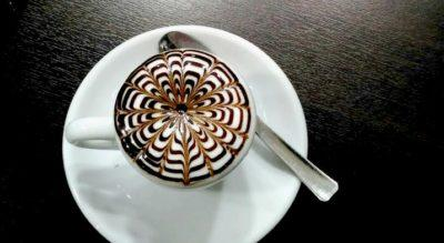 Tony_e_Angela - tony-cappuccino-min.jpg